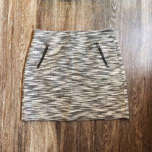 LOFT | B&W Tweed Zip Pocket Shift Skirt Size 10